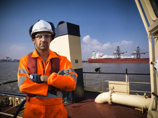 cruise ship crew jobs