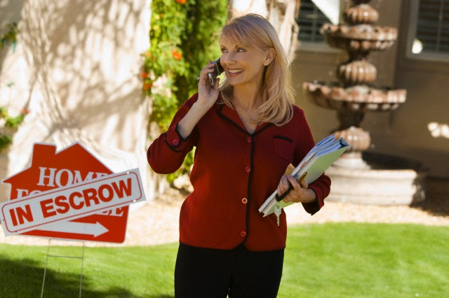 real estate agent jobs abroad