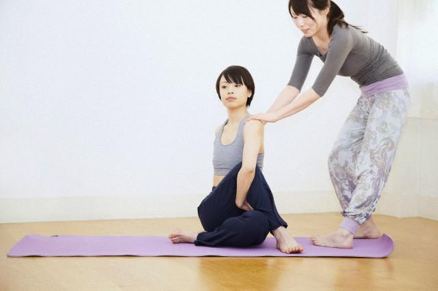 yoga teacher jobs abroad