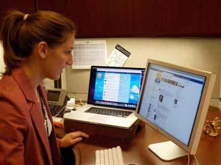 social media internships for students